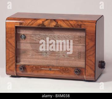 broadcast, radio, radio set Telefunken T 5000, Germany, 1950, 1950s, 50s, 20th century, historic, historical, magic, - Stock Photo