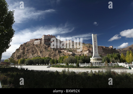 Gyantse Dzong or Gyantse Fortress in Gyantse or Gyangtse in Tibet, China. - Stock Photo