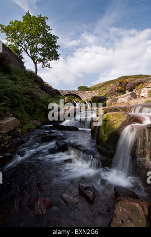 The River Dane and the packhorse bridge at Three Shire Heads, The Peak District - Stock Photo