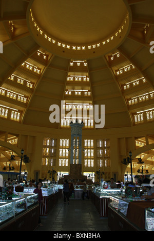 Phnom Penh´s Central Market, built by the French in the 1920s, was restored in 2010. - Stock Photo