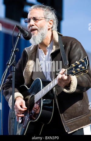 Yusuf Islam (Cat Stevens) performing at the Rally to Restore Sanity And/Or Fear.  - Stock Photo