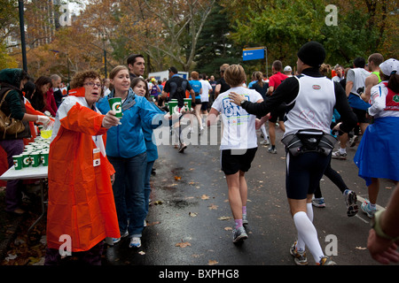Runners competing on Central Park during 2009 New York City Marathon - Stock Photo
