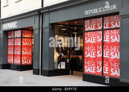 Sales in Republic.Co.UK after Christmas - Stock Photo