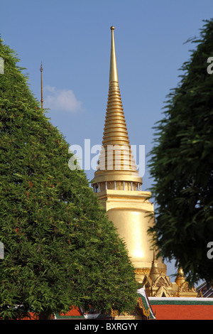 Phra Siratana Chedi gold stupa at the Grand Palace at the Wat Phra Kaeo (Kaew) Temple, Royal Palace complex, Bangkok, - Stock Photo
