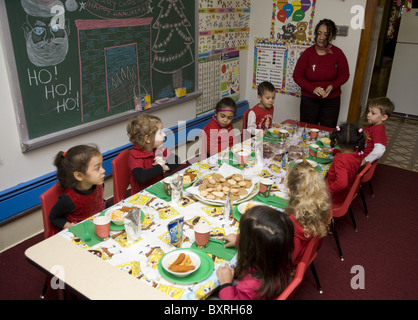 Nursery school and Pre-K program in the highly multicultural Kensington neighborhood in Brooklyn, New York. Christmas - Stock Photo