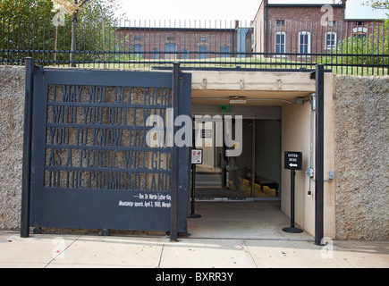 Entrance -extension of the National Civil Rights Centre in Memphis Tennessee with MLK's 'I may not get there with you' speech