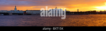 Panoramic view on spit of vasilievsky island, old stock exchange and rostral columns, Saint-Petersburg, Russia - Stock Photo