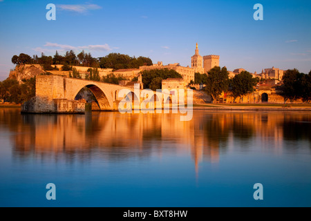 Late afternoon at Pont St Benezet over River Rhone with Palais des Papes, Avignon Provence France - Stock Photo