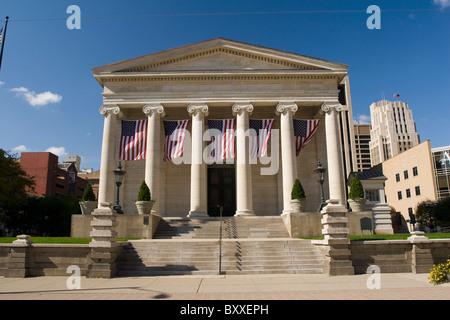 Historic Dayton Courthouse. Old courthouse, now museum, in Dayton, Ohio, USA. Greek Revival temple architecture. - Stock Photo