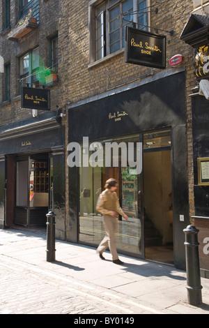 London Street Fashion Male Black Hair Wearing Black T