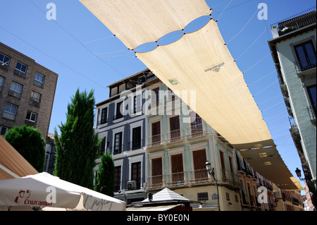 City centre streets in Granada, Spain on a hot & sunny August day - Stock Photo