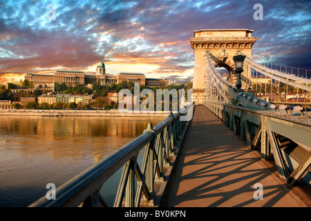 Szecheni Lanchid ( Chain Bridge ). Suspension bridge over the Danube betwen Buda & Pest. Budapest Hungary - Stock Photo