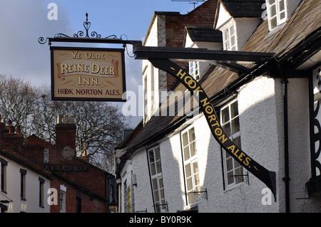 Ye Olde Reine Deer Inn, Banbury, Oxfordshire, UK - Stock Photo