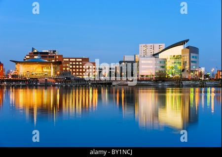 Europe, UK, United Kingdom, Wales, Cardiff, Cardiff Bay, Welsh Assembly Building (left) - Stock Photo