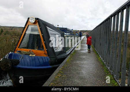 A barge on the Llangollen Canal at Froncysyllte aqueduct . - Stock Photo