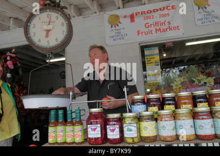 Tennessee Smithville Griffin's Fruit Market farm stand business agriculture produce local products pickles relishes - Stock Photo
