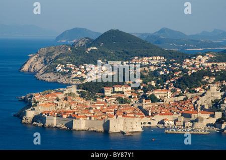 Elk192-3170 Croatia, Dalmatian Coast, Dubrovnik, city walls - Stock Photo