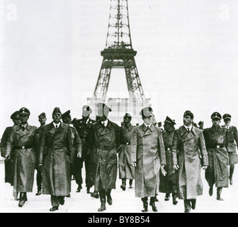 ADOLF HITLER in Paris after the fall of France in 1940 with Eiffel Tower behind - Stock Photo
