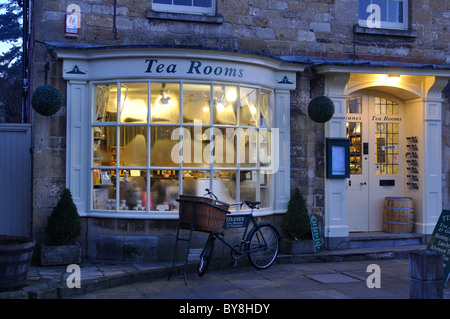 Tisanes tea rooms, High Street, Broadway, Worcestershire, England, UK - Stock Photo