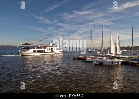 Steamer Utting casting off, Lake Ammersee, Bavaria, Germany, Europe - Stock Photo