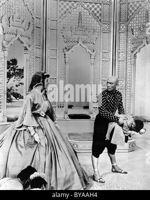 The King and I Year : 1956 USA Director : Walter Lang Deborah Kerr, Yul Brynner - Stock Photo