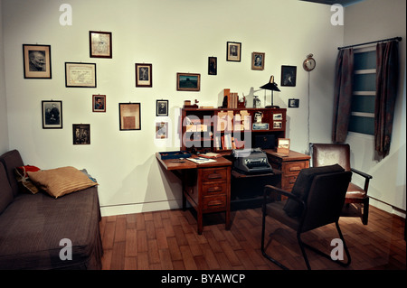 Recreated room of Oskar Maria Graf, 34 Hillside Avenue, New York City, exhibition 'Typical Munich', Stadtmuseum, - Stock Photo