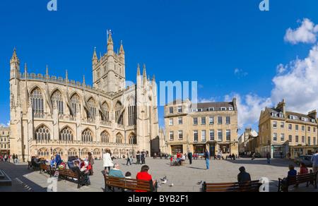 The Abbey Church of Saint Peter and Saint Paul, Bath Abbey, from Abbey Churchyard, Bath, Somerset, England, United - Stock Photo
