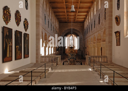 Romanesque nave with the three Hohenzollern tombs, Muenster Heilsbronn cathedral, Muensterplatz, Heilsbronn, Middle - Stock Photo