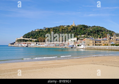 La Concha Bay, beach, waterfront, harbour area, Mt Mounte Urgull, San Sebastian, Pais Vasco, Basque Country, Spain, - Stock Photo