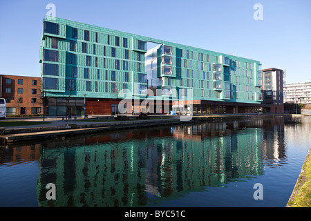 Westfield Student Village accommodation next to The Regent's Canal East London - Stock Photo