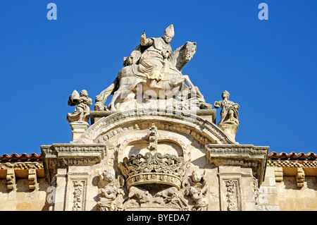 Coat of arms on the facade of Colegiata Real de San Isidoro, collegiate church, basilica, museum, Leon, Castilla - Stock Photo