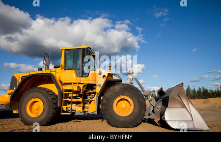 Volvo L180F front loader - Stock Photo