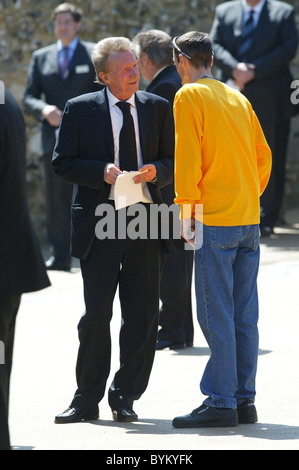Denis Law Footballer Alan Ball's funeral service held at Winchester Cathedral Winchester, England - 03.05.07 - Stock Photo
