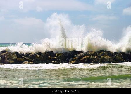 Pisa Strand Wellenbrecher - Pisa beach breakwater 01 - Stock Photo
