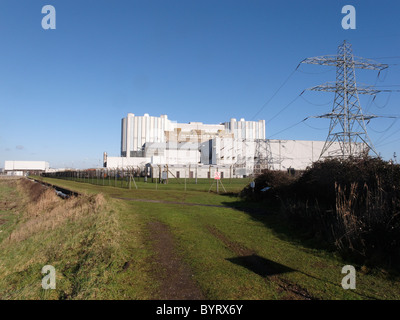 Oldbury nuclear power station on the River Severn, Goucestershire, UK, January 2011 - Stock Photo
