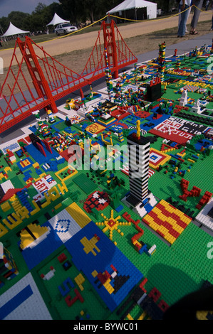 UNITED STATES OF LEGO Hundreds Of School Children Flocked To A - Giant us map