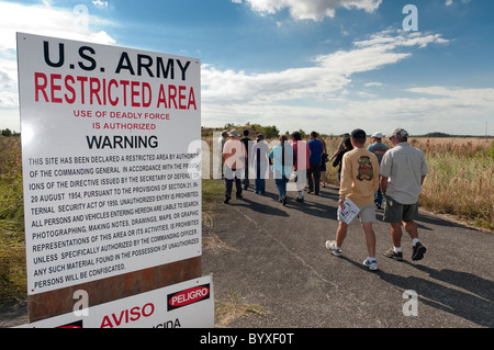 Park ranger leads tour of Nike Hercules Missile site, Everglades National Park, Florida. - Stock Photo