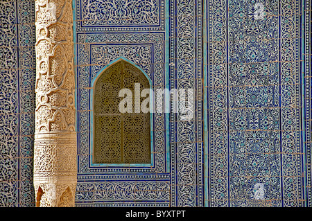 Geometric Maiolica and pillar, Tosh-Khovli or Khan's Palace, Khiva, Uzbekistan - Stock Photo