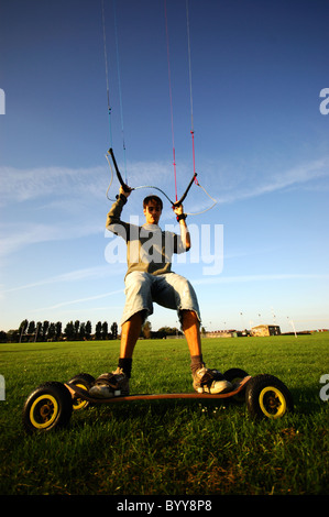 Extreme sport kiteboarding in Dovercourt - Stock Photo