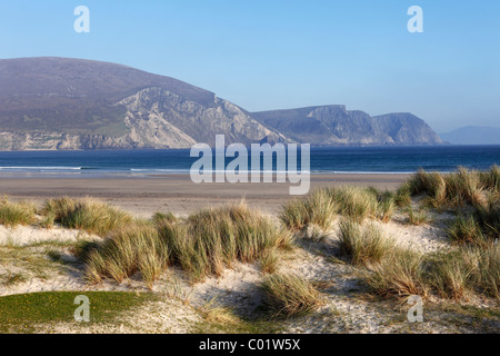 Keel Beach, cliffs and the Dooega Head, Achill Island, County Mayo, Connacht province, Republic of Ireland, Europe - Stock Photo