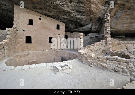 Spruce Tree House, a cliff dwelling of the Native American Indians, about 800 years old, Mesa Verde National Park - Stock Photo