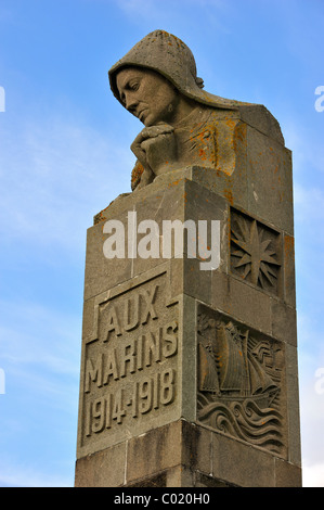 Monument in honour of the WWI sailors who died during the First World War at Pointe Saint-Mathieu, Finistère, Brittany, - Stock Photo