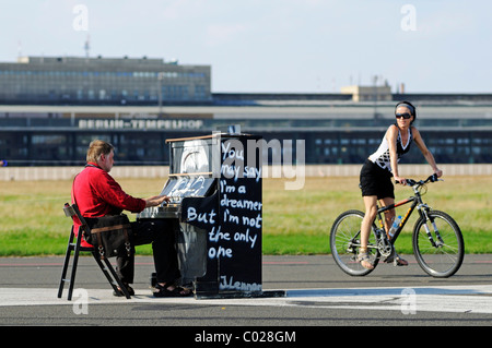 Art installation with a piano on the grounds of the former Tempelhof Airport, park opened in 2010 on Tempelhof Feld, - Stock Photo