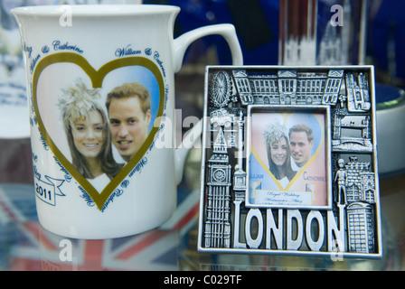 Prince William and Kate Middleton Royal Wedding memorabilia. London shop window. 2011 HOMER SYKES - Stock Photo