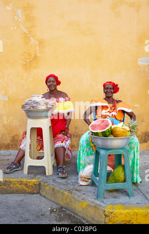 Colombian women selling fruit, Cartagena, Colombia - Stock Photo