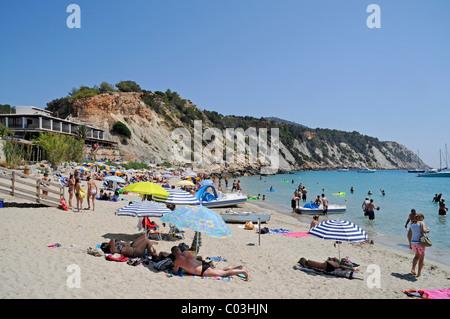 Holidaymakers on Cala d'Hort beach, Ibiza, Pityuses, Balearic Islands, Spain, Europe - Stock Photo