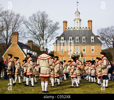 Fife and Drum Marching Band in front of Governor's Palace adorned with Christmas decorations Historic Colonial Williamsburg, - Stock Photo