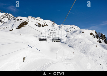 St Anton am Arlberg, Tyrol, Austria, Europe. View from Valfagehr chairlift above the ski slopes in the Austrian - Stock Photo