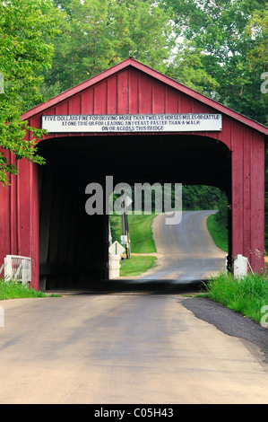 The Red Covered Bridge in rural Illinois. The span was built during the Civil War in 1863 Princeton, Illinois, USA. - Stock Photo