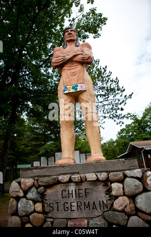 Statue Of Native American Indian In Mount Kisco Stock